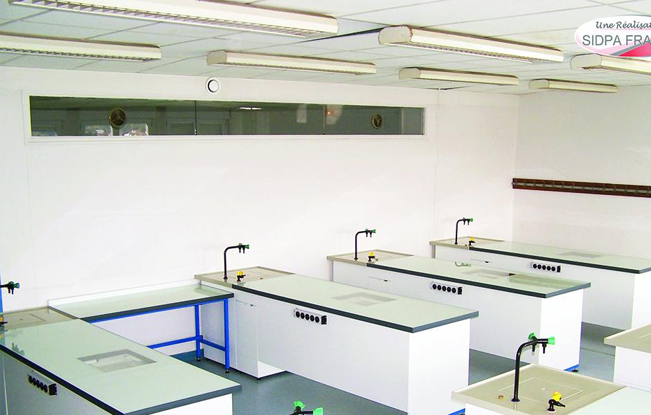 Laboratoire scolaire